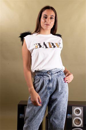 T-shirt smanicata con spalline con piume VICOLO Vicolo | 8 | RM011401