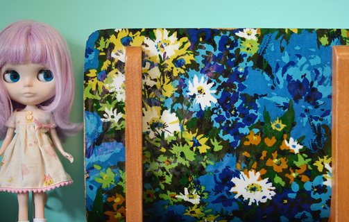 Height 320 paper 20holder 20and 20blythe