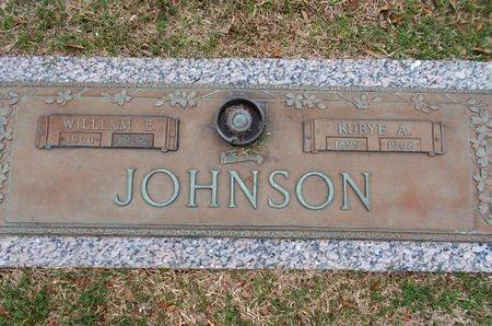 JOHNSON, WILLIAM E - Caddo County, Louisiana | WILLIAM E JOHNSON - Louisiana Gravestone Photos