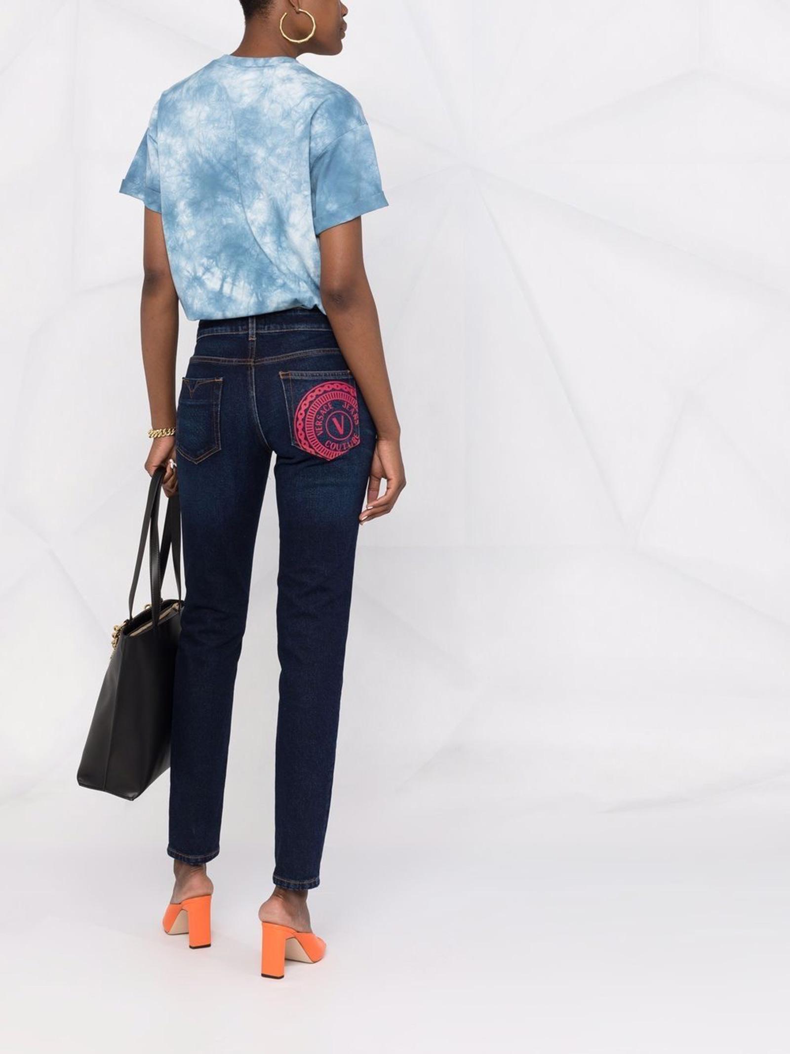 Jeans slim-fit V-Emblem  VERSACE JEANS | Jeans | 71HAB5K1904