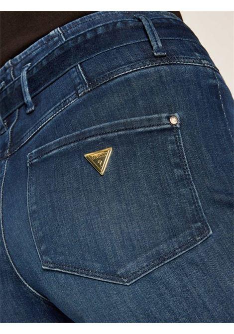 Jeans a zampa, con cintura regolabile. GUESS | Jeans | W0YA73 D42JIHSTA