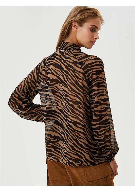 CAMICIA ANIMALIER IN CREPE LIU JO | Camicia | WF0192T0110T9127