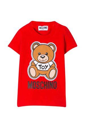 Red t-shirt Moschino kids  MOSCHINO KIDS | 5032307 | MOM01NLBA0050109