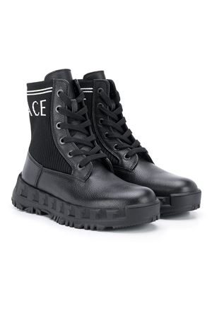 Black teen boots with print Young Versace YOUNG VERSACE | 76 | YHX00019YB00348YS95T