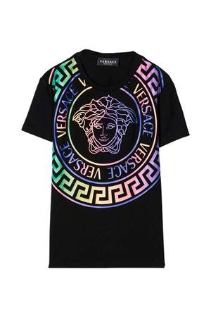 T-shirt nera con stampa multicolor VERSACE | 8 | 10000521A014202B070