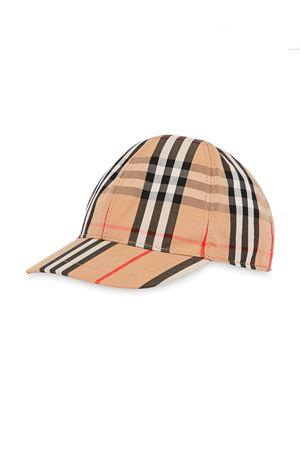 Cappello con visiera e stampa tartan Burberry Kids BURBERRY KIDS | 75988881 | 8015737A7028