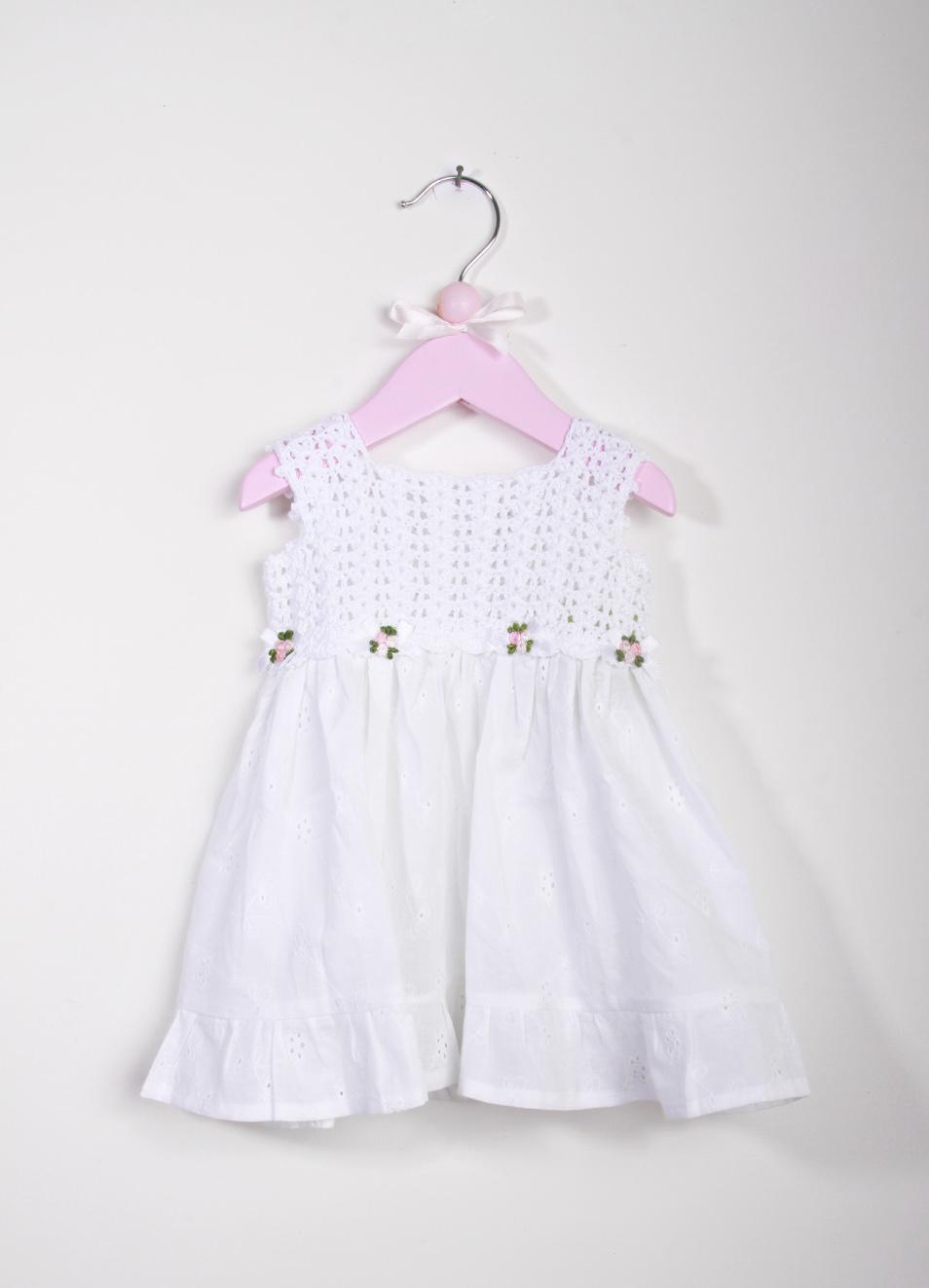 Vestito artigianale in pizzo Sangallo per bambina - La Bottega delle Idee -  Manecapri 92822b9fe3a3