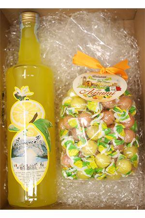 Gift box with Limoncello di Capri  Capri Più | 20000064 | BOX12LIM70AGRUMIPALL