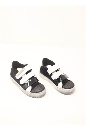 Black and white sneakers with snatch closure  Baby Walker | 12 | BW03BIANCONERO