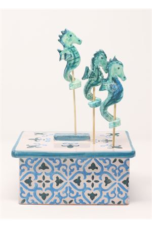Ceramic jewelry box decorated with sea horses  Ceramicapri | 20000026 | PORTAGIOIEMAIOLICAAZZURROMAIOLICA
