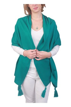 Stola artigianale in lana verde con pon pon Art Tricot | 61 | STOLA CAPRESEVERDE PINO