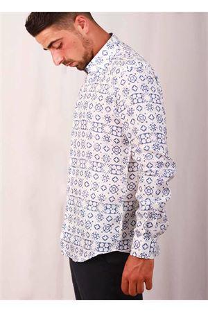 Camicia da uomo in lino con Maiolica Caprese blu Colori Di Capri | 6 | MATTONELLA AZZURRABLU