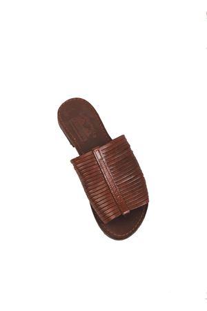 sandali capresi modello ciabatta con fascette pelle Cuccurullo | 5032256 | CUCPANTOFOLAFASCEMARRONE