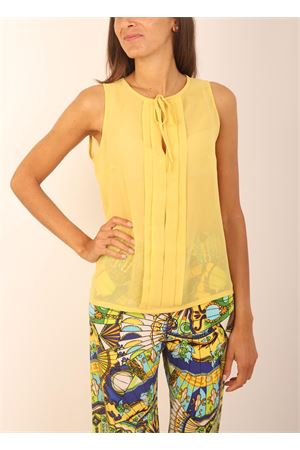 Tailored yellow silk t-shirt Capri Chic | 8 | TSHIRTSMANICATAGIALLO