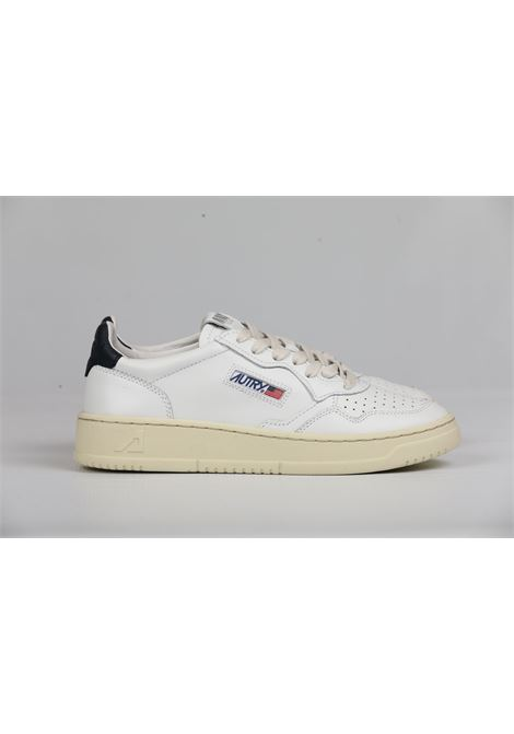 LOW MAN LEATHER WHITE BLUE AUTRY | Scarpe | AULMLL12