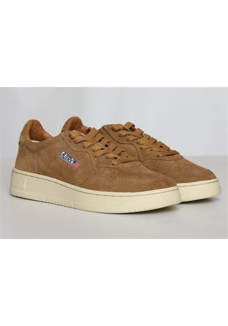 LOW MAN SUEDE CARAMEL AUTRY | Scarpe | AULMSS16