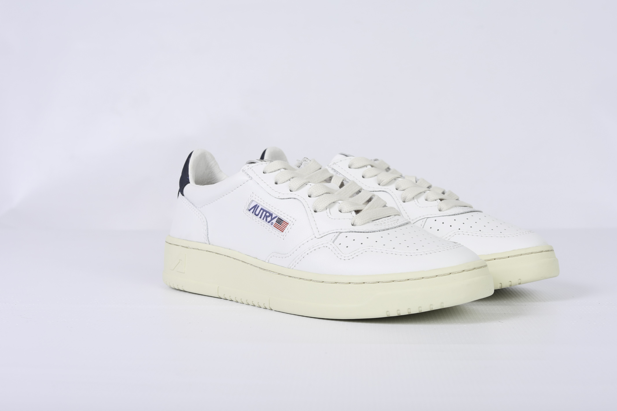 SNEAKERS LOW AUTRY | Shoes | AULMLN24