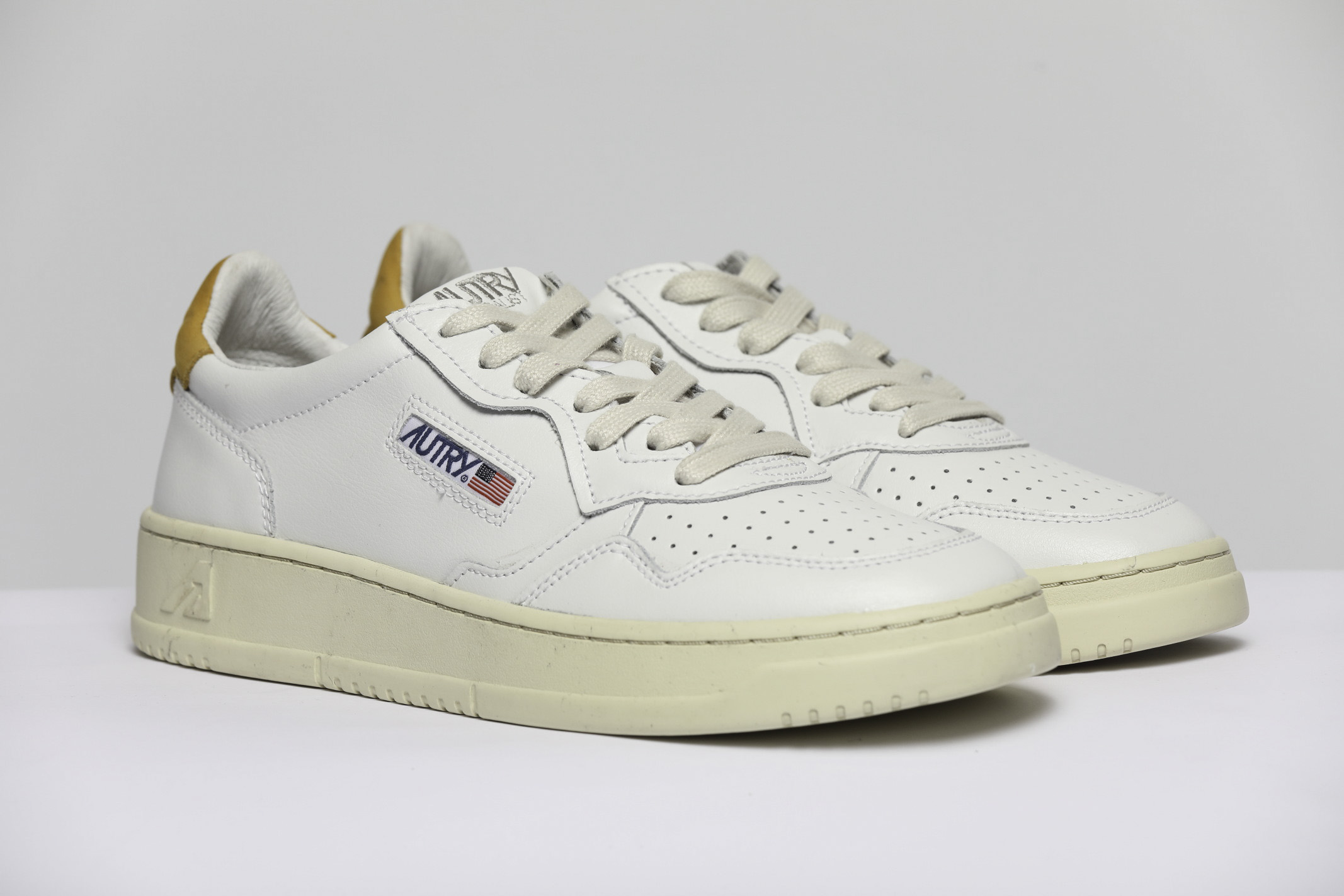 SNEAKERS LOW AUTRY | Scarpe | AULMLN28