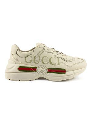 official photos 09fb7 0e8ab GUCCI. Sneaker Rhyton in pelle avorio