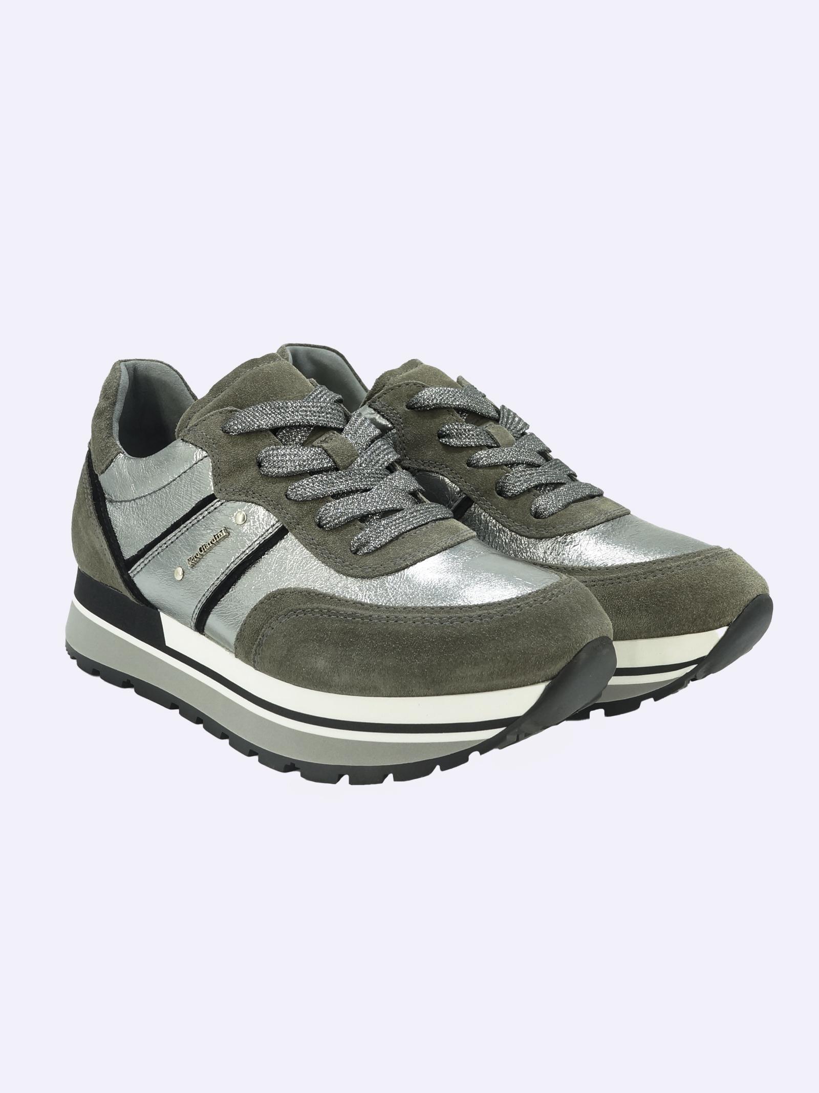 Sneakers Donna in Pelle Laminata e Camoscio Nero Giardini   Sneakers   I116945DCEMENTO120