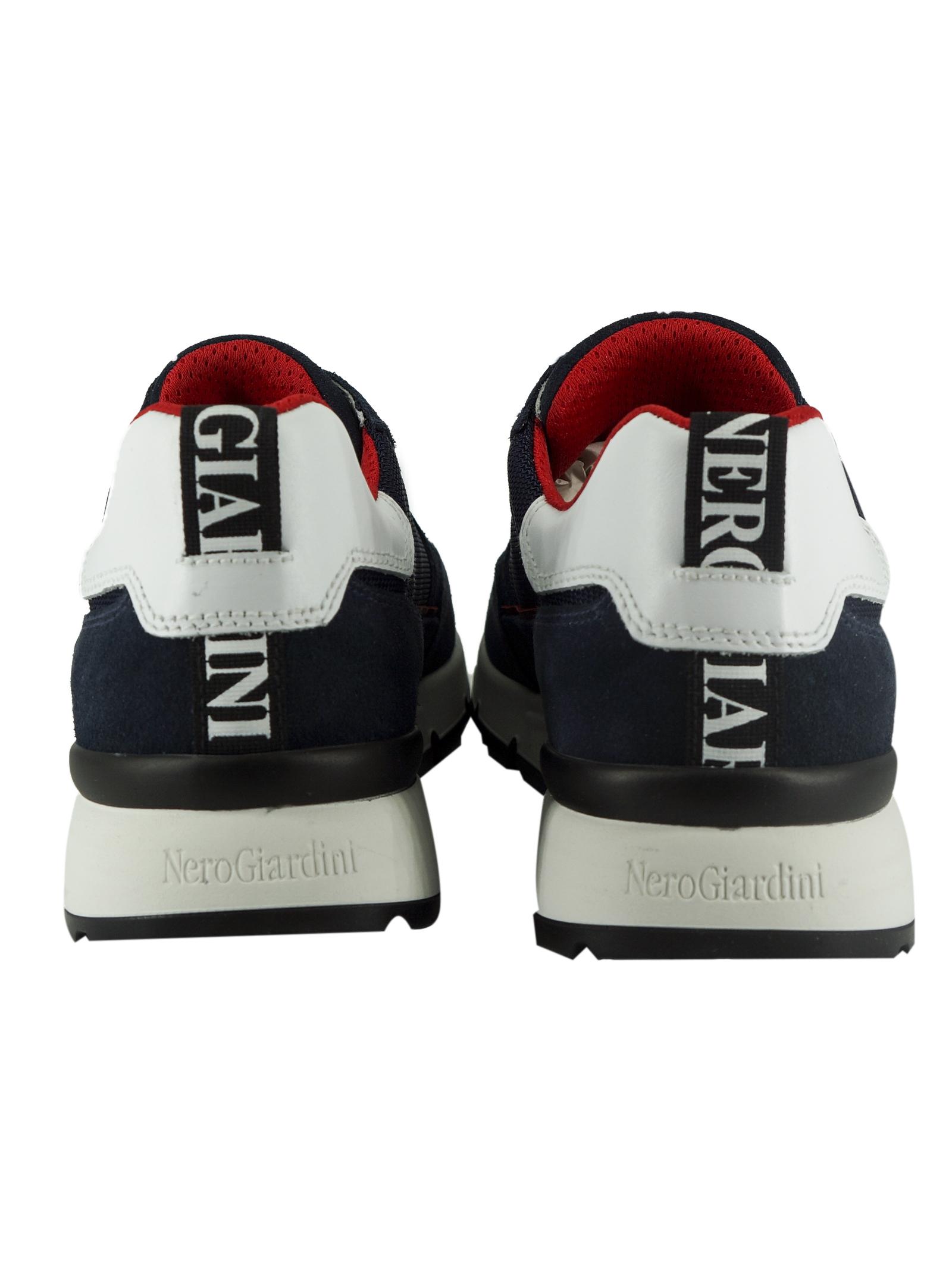 Sneakers Uomo in Camoscio Nero Giardini Nero Giardini | Sneakers | E101990UBLU207