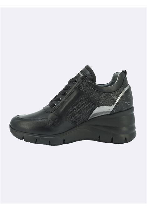 Sneakers con Zeppa in Pelle Nera con Lacci e Zip Nero Giardini | Sneakers | I116880DNERO100