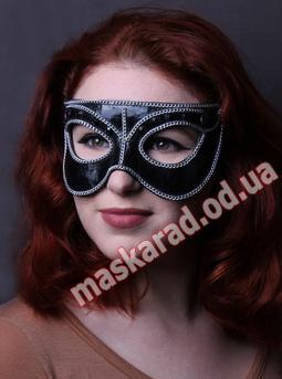 Короны и маски