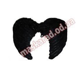 Крылья большие, чёрные