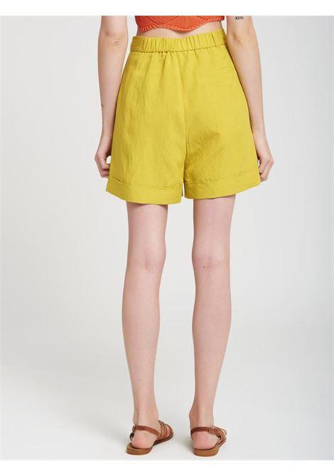 SHORTS VICOLO VICOLO | Shorts | TH1810SENAPE