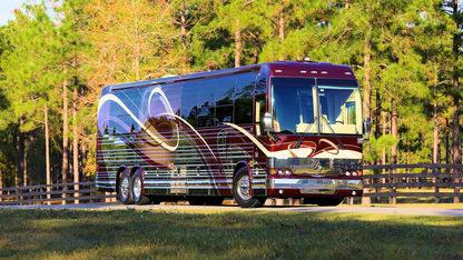 2006 Prevost 45' Country Coach Silver Falls