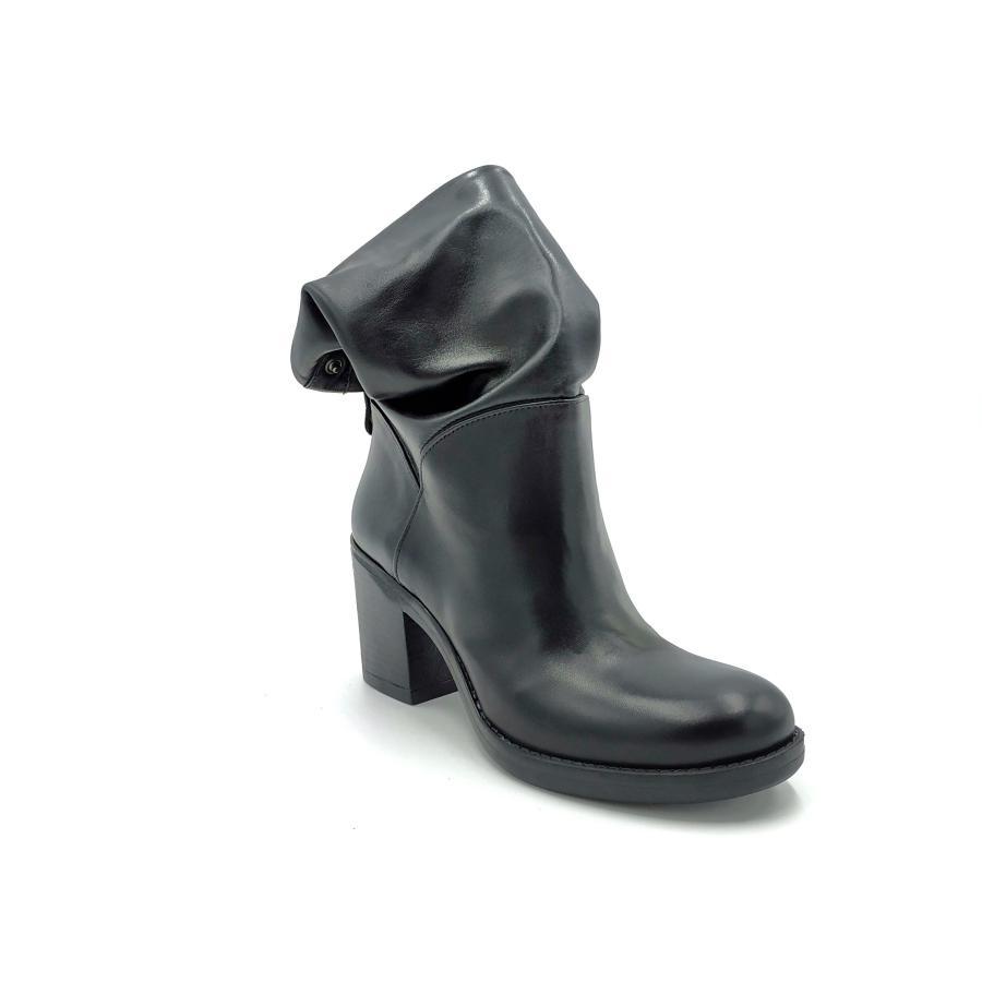 Stivali con tacchetto Noa | Stivali | 108NERO