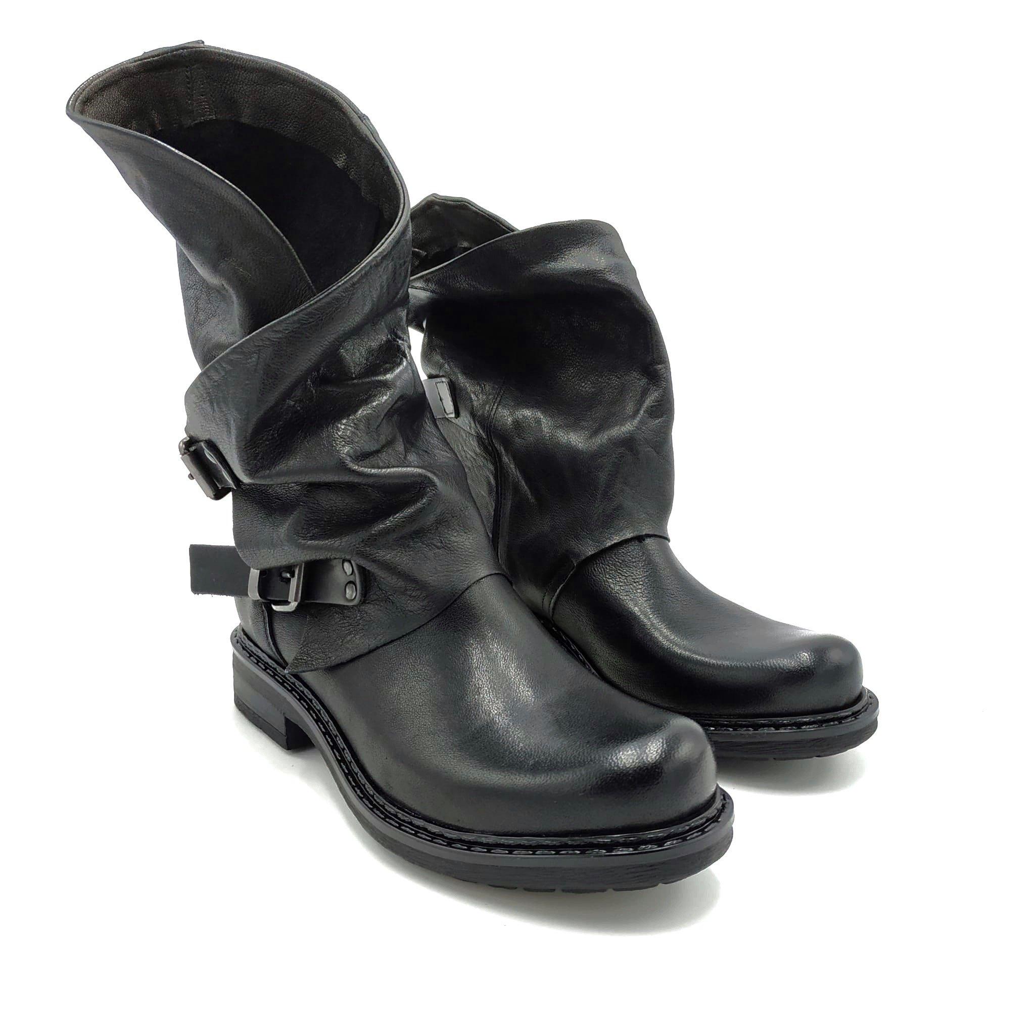 Stivali in pelle con fibbia Noa | Stivaletti | 550NERO
