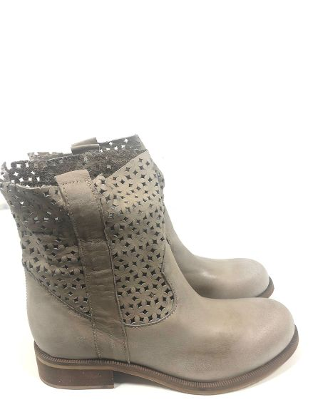 Biker laser perforated MELANY BOUTIQUE |  | 1201ANITSIRC005