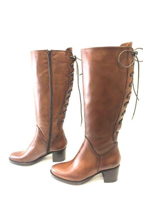 Stivale in pelle color cuoio con allacciatura posteriore Noa | Stivali | VALERY02