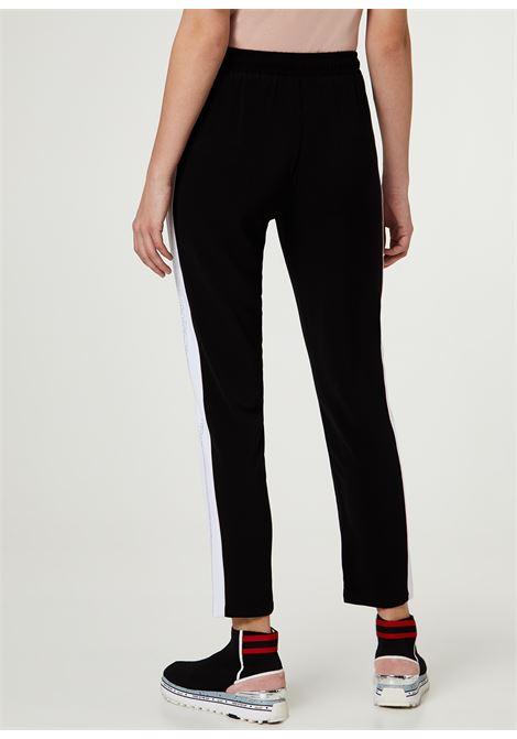 Pantalone realizzato in crêpe LIUJO SPORT | Pantaloni | TA0027T842303390