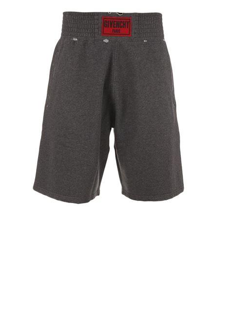 Givenchy shorts Givenchy | 30 | BM501A3Y04020