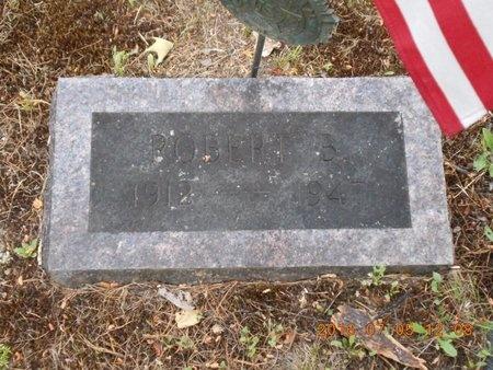 GAVIGLIO, ROBERT B. - Marquette County, Michigan   ROBERT B. GAVIGLIO - Michigan Gravestone Photos