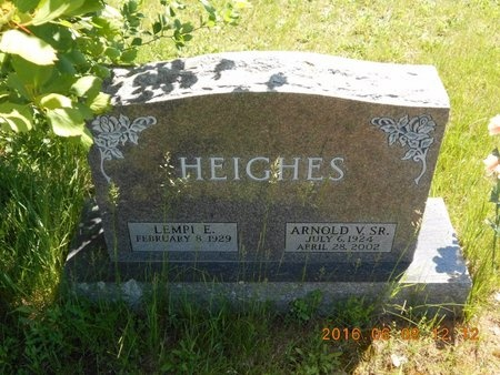 HEIGHES, SR., ARNOLD V. - Marquette County, Michigan | ARNOLD V. HEIGHES, SR. - Michigan Gravestone Photos