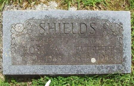 SHIELDS, EVERETT - Barry County, Missouri | EVERETT SHIELDS - Missouri Gravestone Photos