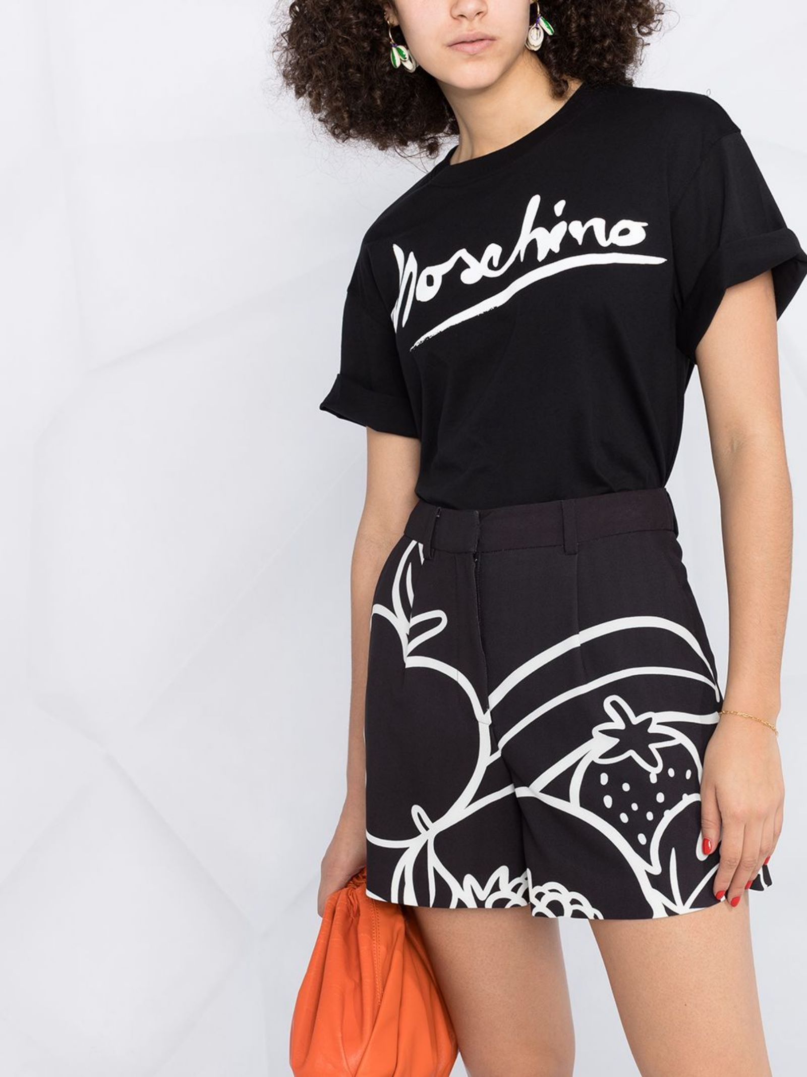 Shorts con stampa Moschino Boutique   Shorts   A0314-8401555