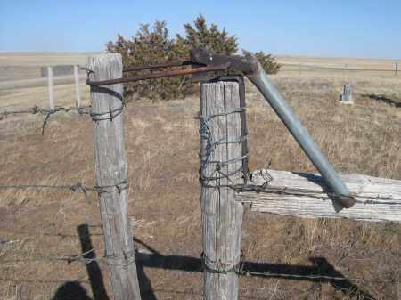 *SNAKE CREEK CEMETERY, ENTRANCE GATE - Box Butte County, Nebraska | ENTRANCE GATE *SNAKE CREEK CEMETERY - Nebraska Gravestone Photos