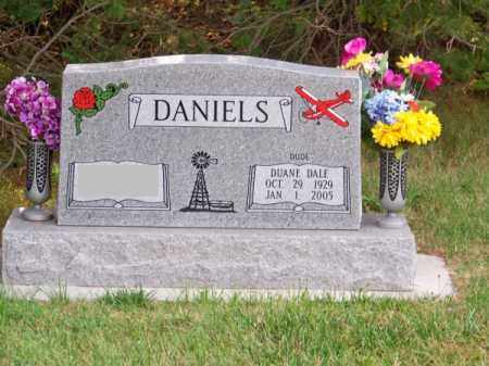 DANIELS, DUANE DALE (DUDE) - Brown County, Nebraska | DUANE DALE (DUDE) DANIELS - Nebraska Gravestone Photos