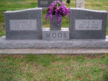MOOS, LYLE W. - Brown County, Nebraska | LYLE W. MOOS - Nebraska Gravestone Photos