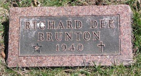 BRUNTON, RICHARD DEE - Burt County, Nebraska | RICHARD DEE BRUNTON - Nebraska Gravestone Photos