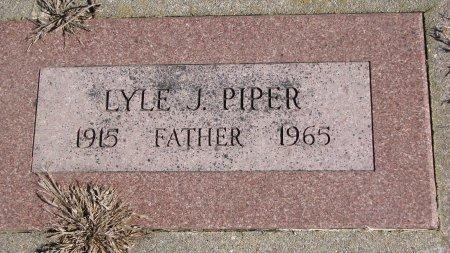PIPER, LYLE J. - Burt County, Nebraska   LYLE J. PIPER - Nebraska Gravestone Photos