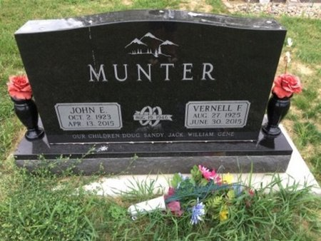 MUNTER, JOHN E - Cedar County, Nebraska | JOHN E MUNTER - Nebraska Gravestone Photos
