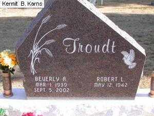 TROUDT, BEVERLY ANN 1939-2002 - Chase County, Nebraska | BEVERLY ANN 1939-2002 TROUDT - Nebraska Gravestone Photos