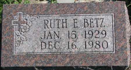BETZ, RUTH E. - Dakota County, Nebraska | RUTH E. BETZ - Nebraska Gravestone Photos