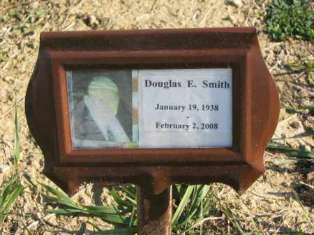 SMITH, DOUGLAS E. - Dakota County, Nebraska | DOUGLAS E. SMITH - Nebraska Gravestone Photos