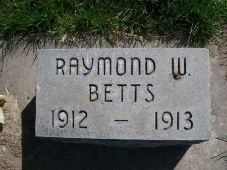 BETTS, RAYMOND W. - Dawes County, Nebraska | RAYMOND W. BETTS - Nebraska Gravestone Photos